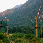 付け替え国道の橋脚工事