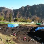 上原Ⅰ遺跡と堂岩山(2012年11月14日)