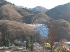 写真3 川原湯・打越代替地 第三期分譲地の法面(2011年1月撮影)