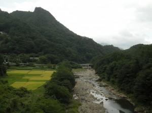 八ッ場ダム予定地を流れる吾妻川(2012年9月17日撮影)
