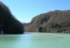 吾妻川中和のための品木ダム (群馬県六合村)
