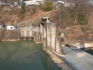 吾妻川の水を東京電力が大量に取水する長野原取水堰