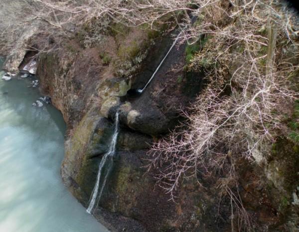 滝見橋から観賞できた吾妻渓谷十勝の一つ、「白糸の滝」
