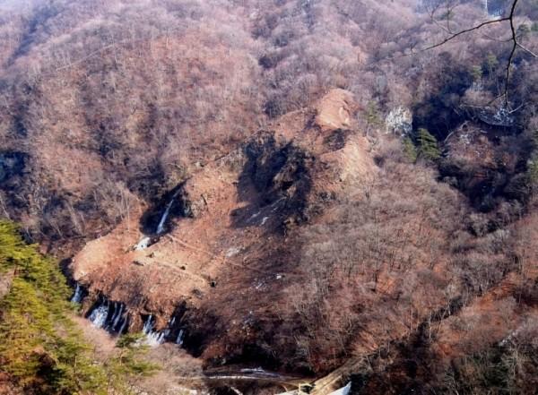 ダムサイト右岸伐採 (2)sトリミング2