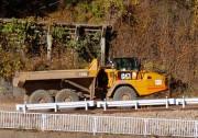 25トンダンプトラック