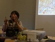 写真3・熱弁の新津さん 350kb