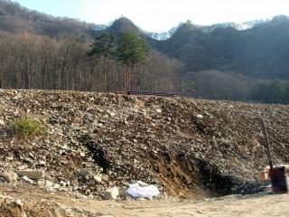 上湯原の崖錐堆積物層