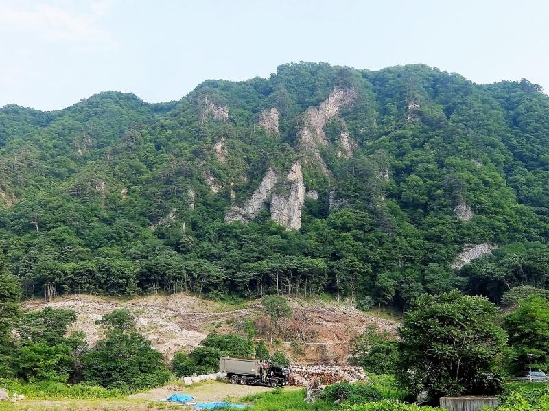 堂岩山と地すべり対策